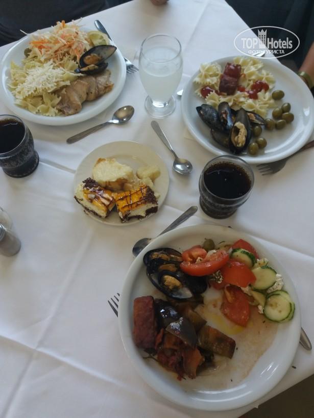 Еда в отеле Кристиана Бич 3*