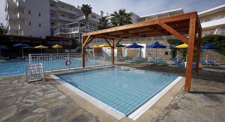 Детский бассейн в отеле Elounda Breeze Resort 4*