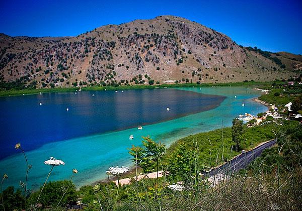 Горное озеро Курнас
