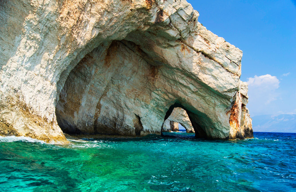 Пляж Навагио и Голубые пещеры
