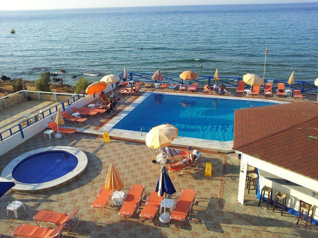 Christiana Beach Hotel 3*, бассейн