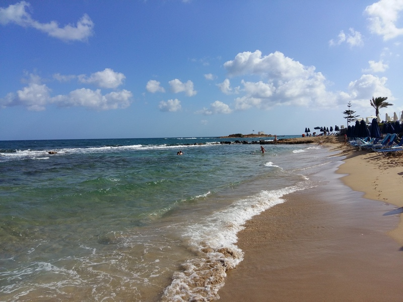 Центральный пляж Малии