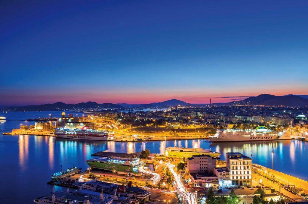 Портовый город Пирей